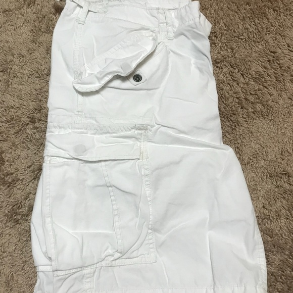 5fffea120 Men s Polo Ralph Lauren White Cargo Shorts. M 5b7100d228309556ee0b227a